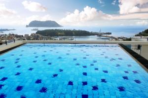 m-stay-pool